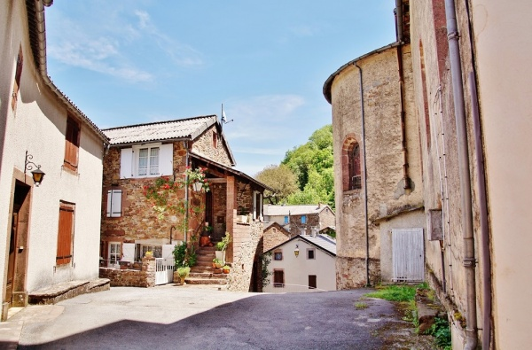Photo Mounes-Prohencoux - Le Village