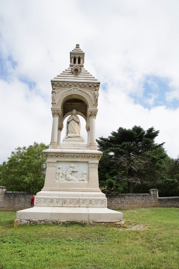 Photo Saint-Geniez-d'Olt - le Monuments saint Marie