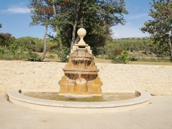 Photo paysage et monuments, Beaurecueil - Fontaine
