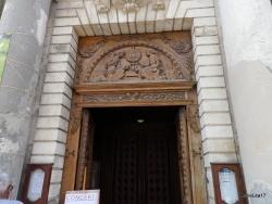 Photo paysage et monuments, Martigues - Martigues l'Ile, Porte de l'Eglise de Marie-Madeleine