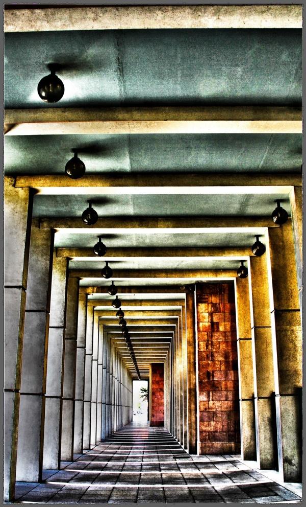 Photo Martigues - Sous le théâtre de Martigues