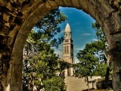 Photo paysage et monuments, Orgon - Chapelle Notre-Dame de Beauregard