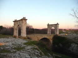 Photo paysage et monuments, Saint-Chamas - Le Pont Flavien