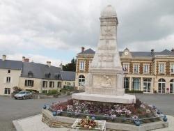 Photo paysage et monuments, Balleroy - Monuments Aux Morts
