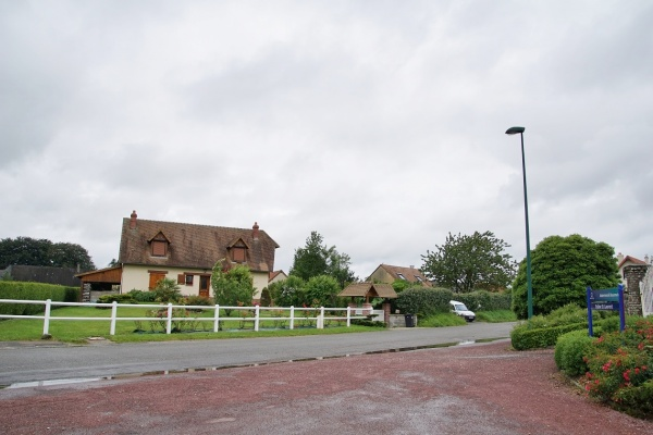 Photo Beaumais - Le Village