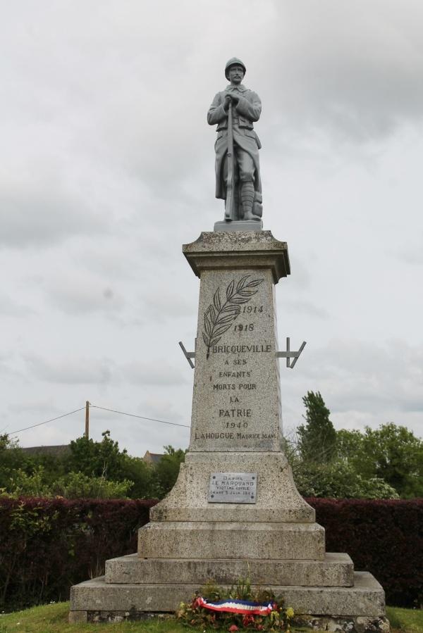 Photo Bricqueville - le monument aux morts