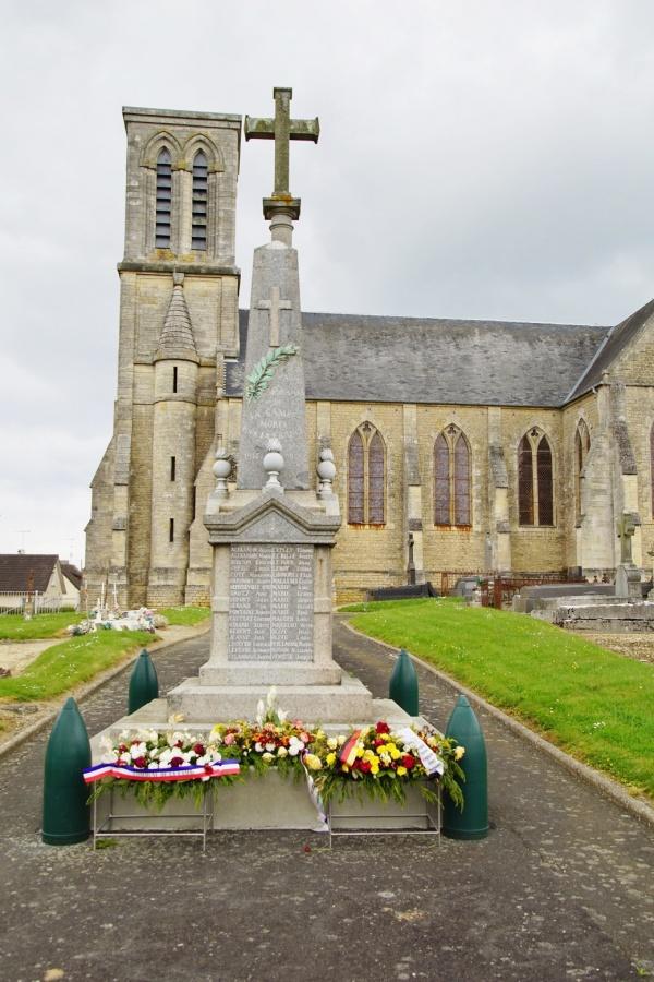 Photo La Cambe - le monument aux morts