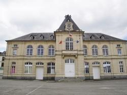 Photo paysage et monuments, Caumont-l'Éventé - la Mairie