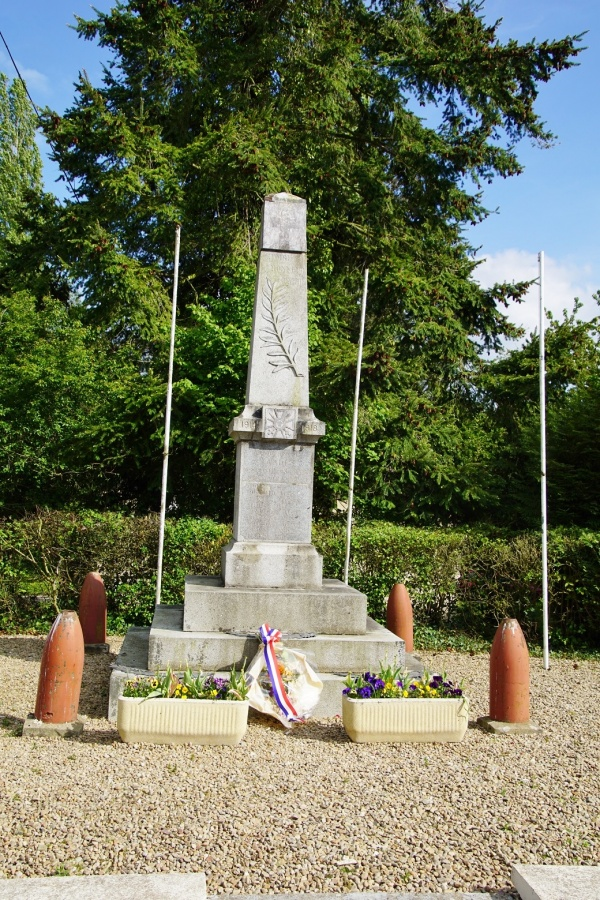 Photo Landes-sur-Ajon - le monument aux morts
