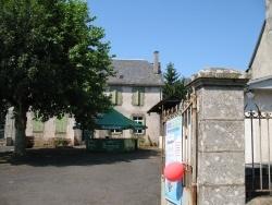 Photo paysage et monuments, Chaussenac - promenade  au bourg