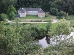 Photo paysage et monuments, Loubaresse - Le domaine de Longevialle