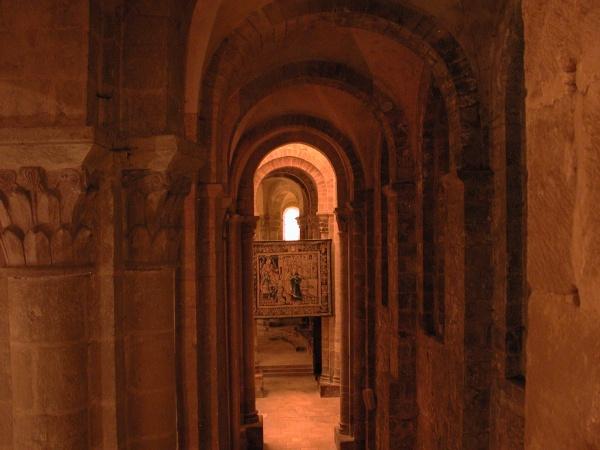 Intérieur de l'abbatiale de Conques.