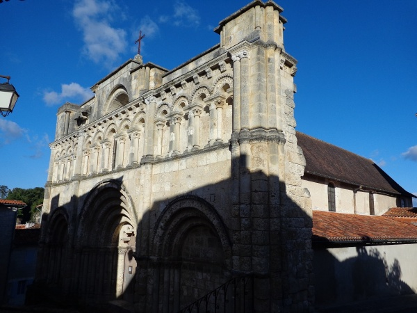 Photo Aubeterre-sur-Dronne - église St Jacques