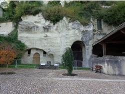Photo paysage et monuments, Aubeterre-sur-Dronne - église troglodyte St Jean