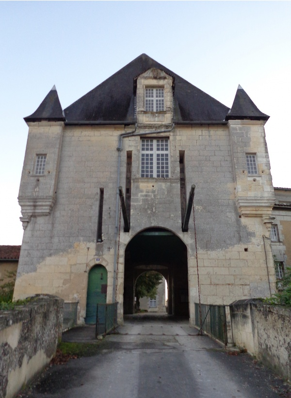 Photo Chalais - château