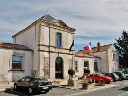 Photo paysage et monuments, Esnandes - La Mairie