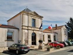 Photo paysage et monuments, Esnandes - La Mairie