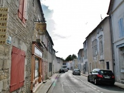 Photo paysage et monuments, La Jarrie - Rue du Village