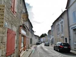 Photo paysage et monuments, La Jarrie - Rue du Village