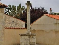 Photo paysage et monuments, Lagord - Croix 12 Em Siècle