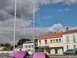 Photo paysage et monuments, Marans - Voilier au port de plaisance