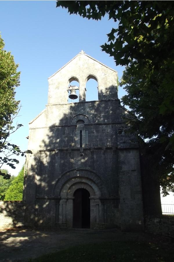 Photo Romazières - Eglise 12ème siècle de Romazieres