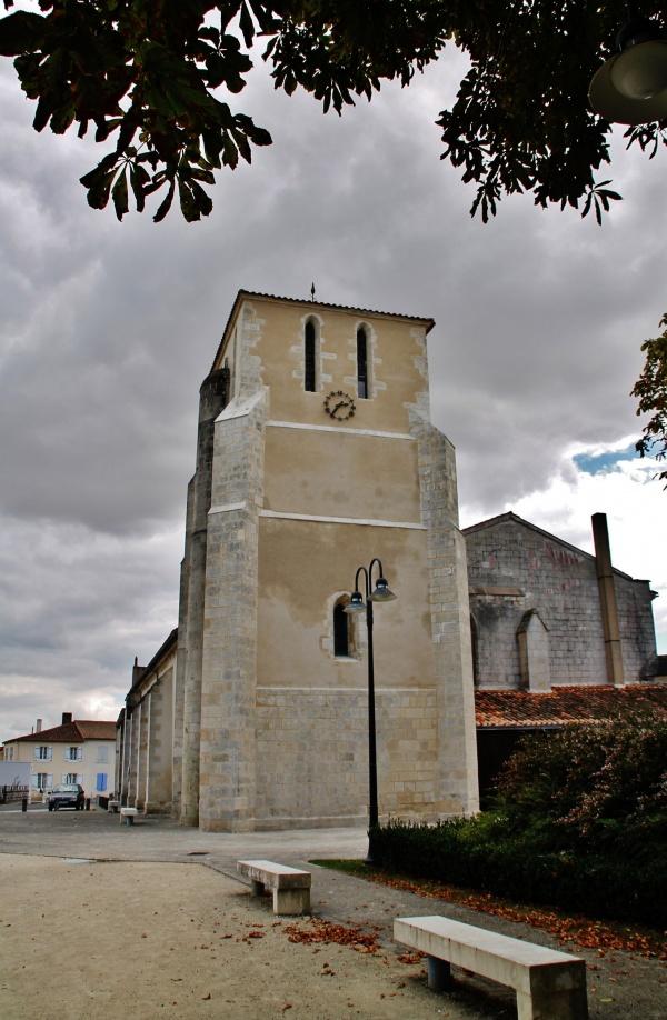 Photo Saint-Jean-de-Liversay - église St Jean-Baptiste