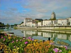 Photo paysage et monuments, Saintes - La Charente à Saintes (17)