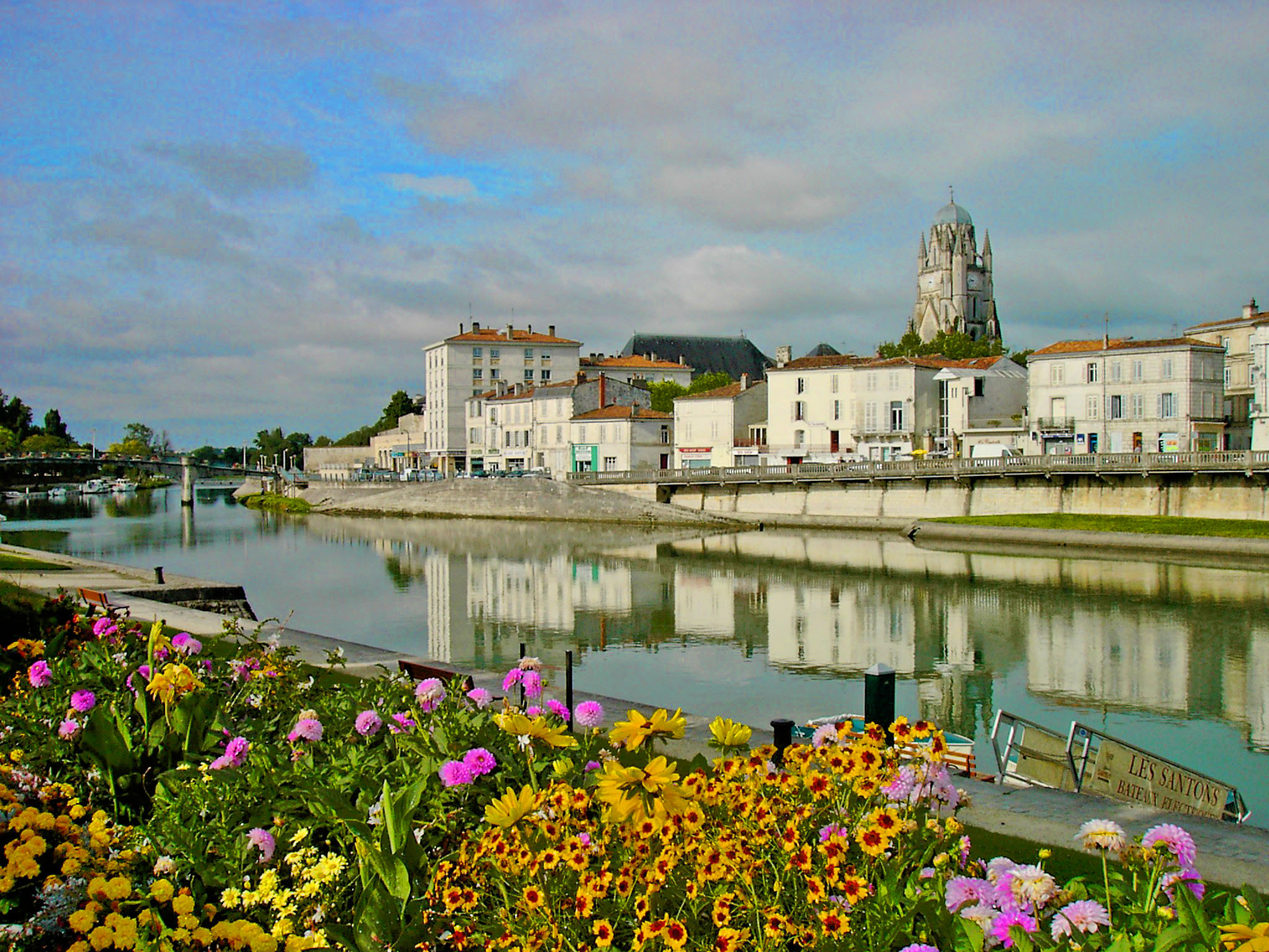 Saintes pas cher - Office tourisme saintes maries de la mer ...