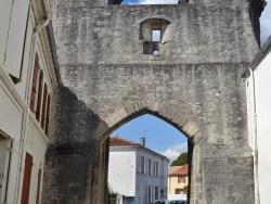 Photo paysage et monuments, Tonnay-Boutonne - Porte St Pierre