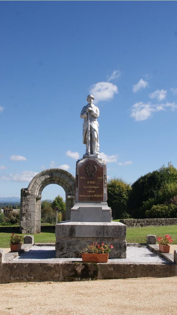 Photo Auriac - Monuments Aux Morts