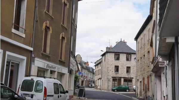 Photo Neuvic - Le Village