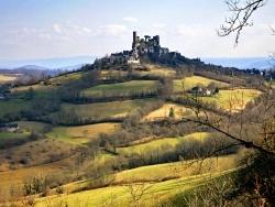 Photo paysage et monuments, Turenne - Clair obscur romantique de la butte de Turenne