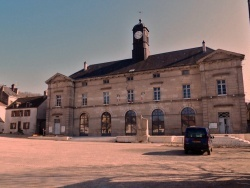 Photo paysage et monuments, Bligny-sur-Ouche - Mairie de Bligny sur Ouche.
