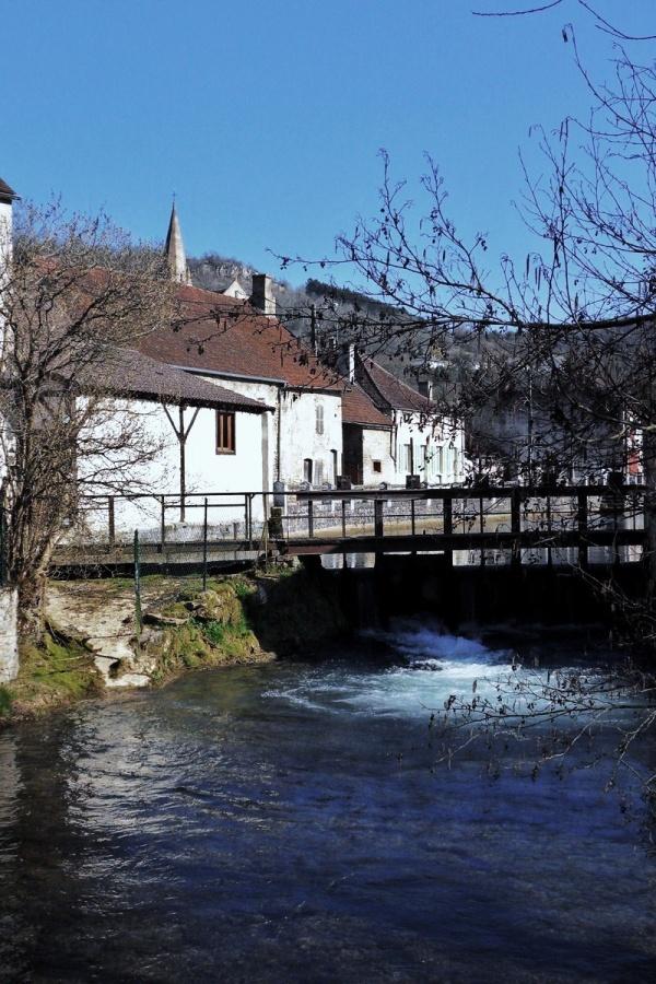 Photo Bligny-sur-Ouche - L'Ouche à Bligny.