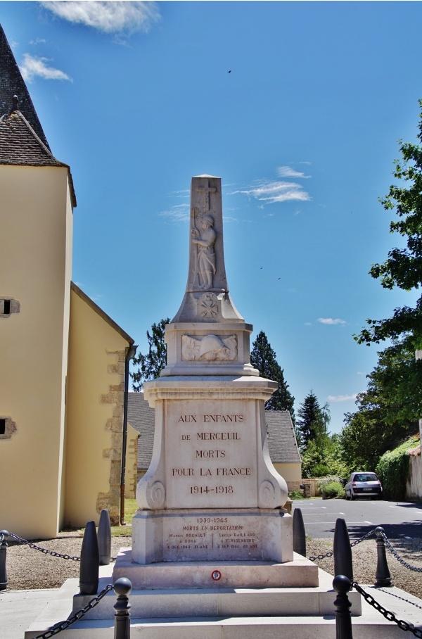 Photo Merceuil - le Monument-aux-Morts