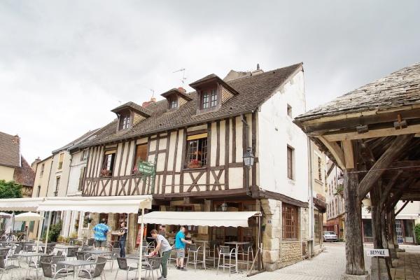 Photo Nolay - Le Village