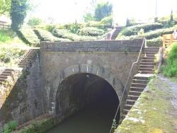 Photo paysage et monuments, Pouilly-en-Auxois - Pouilly en Auxois;Voûte du tunnel du canal de Bourgogne.