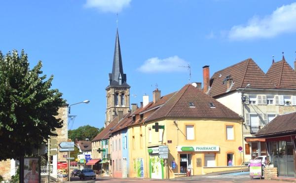 Pouilly en Auxois;Centre ville 1.
