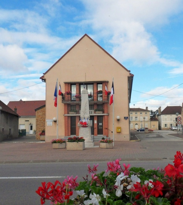 Photo Saint-Usage - Saint-Usage.21;mairie
