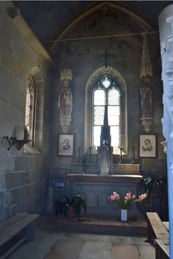 Photo La Roche-Derrien - chapelle du calvaire
