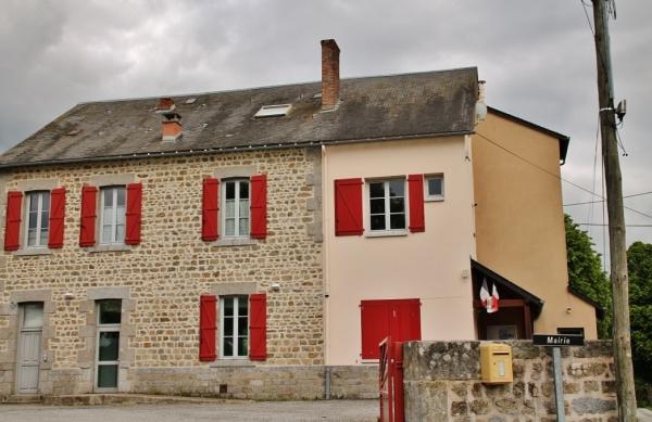 Photo La Mazière-aux-Bons-Hommes - La Mairie