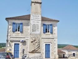 Photo paysage et monuments, Bassillac - le Monument Aux Morts