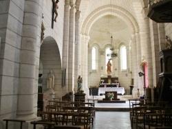 Photo paysage et monuments, Bourdeilles - église St pierre