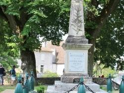 Photo paysage et monuments, Bourdeilles - le Monuments Aux Morts