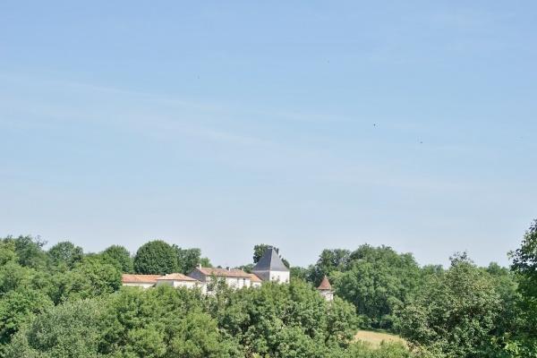 Photo Bourg-des-Maisons - le village