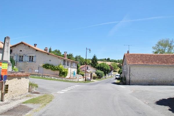 Photo Bouteilles-Saint-Sébastien - le village