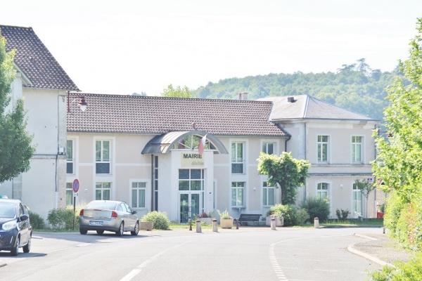 Photo Château-l'Évêque - la Mairie
