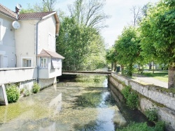 Photo paysage et monuments, Château-l'Évêque - le village