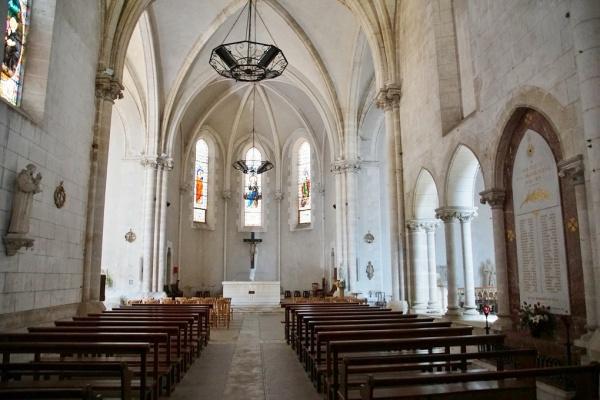 Photo Château-l'Évêque - église Saint Julien Saint Vincent